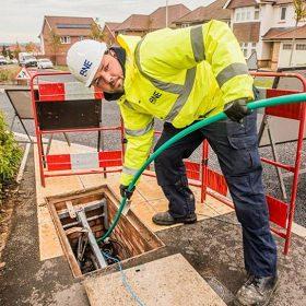 Installing fibre optic cable underground